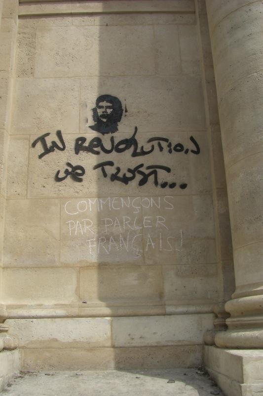 place de la sorbonne- graffiti-210509
