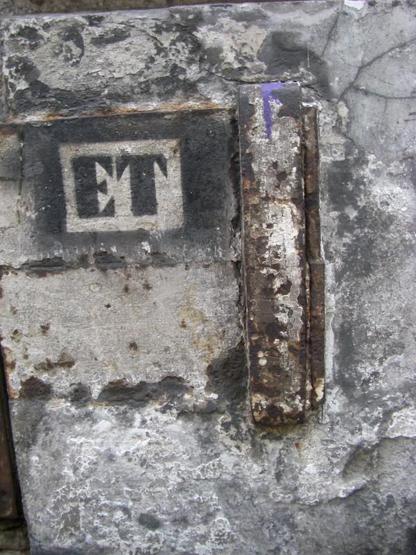 rue Beautreillis-stone-graffiti-metal-271210