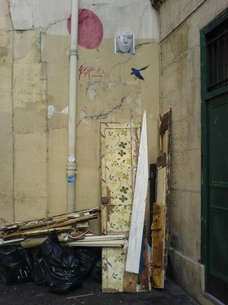 rue des ecouffes-angle-040208