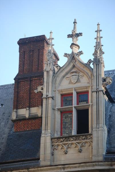 rue de l'hotel de ville-forney-windows-stone-170713
