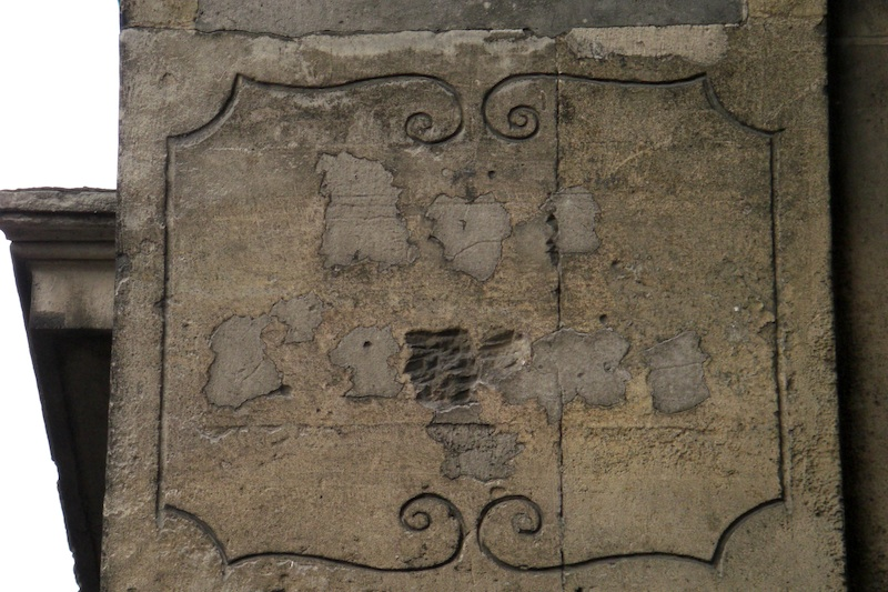 rue saint-louis en l'ile-old street sign erased-060509