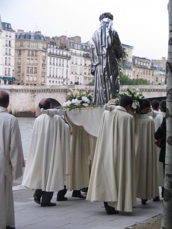 quai de la Tournelle-procession de l'assomption-150806