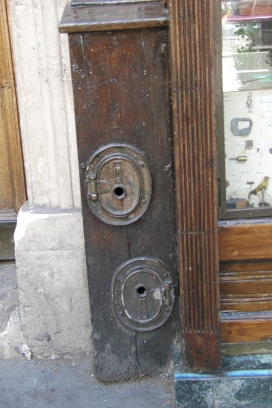 rue saint gilles-metal plates-180509