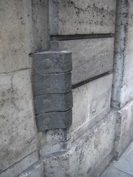 rue des francs-bourgeois-metal-stone-1802-080211