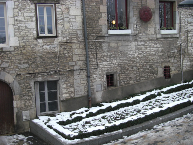 rue jean petit-stone and snow-1399-resized-291210