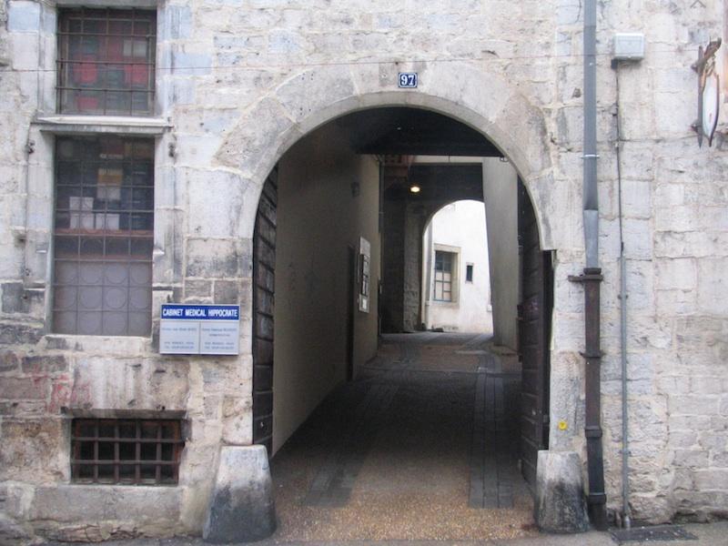 rue battant-entrance-006-311204