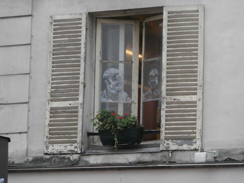 rue de la perle-window paintings-1300025-resized-300114