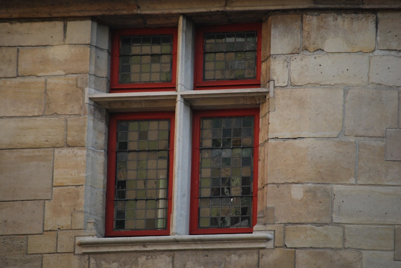 rue de l'hotel de ville-hotel de sens-windows-2450-resized-170713