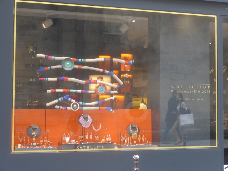 rue des francs-bourgeois-P1010552-shop window-resized-070515