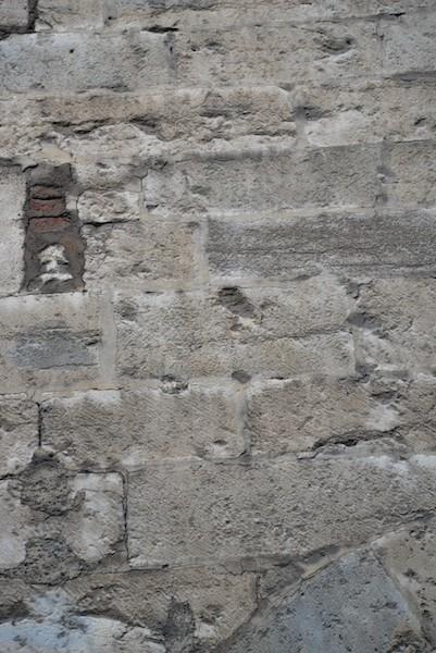 grande rue-DSC_0907-stone-resized-200415