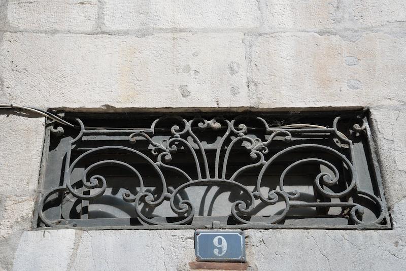 grande rue-DSC_0796-grille-resized-190415