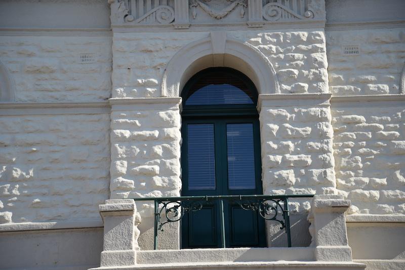 high street-DSC_3841-window-arch-resized-121015
