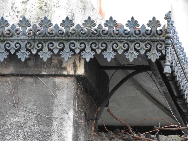 rue de la convention-DSCN0655-12-metal entry detail-resized-271115