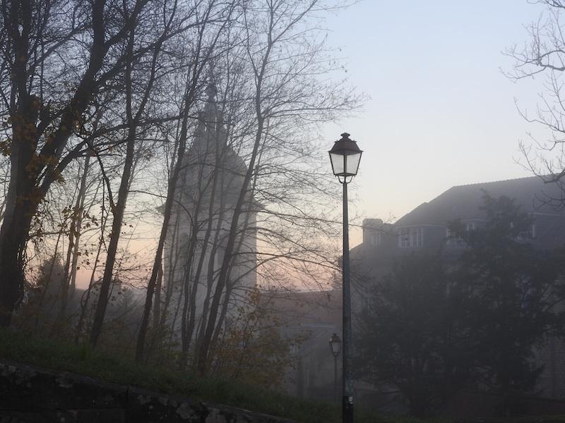 rue des fusilles de la resistance-DSCN0895-cathedrale-light-mist-resized-021215