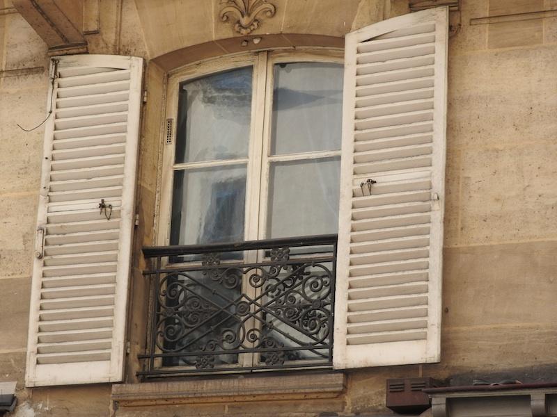 rue bonaparte-DSCN2987-42-windows-reflections-shutters-grille-stone-resized-040116