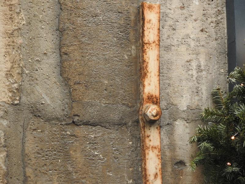 rue sainte-croix de la bretonnerie-DSCN3080-9-metal-stone-resized-060116