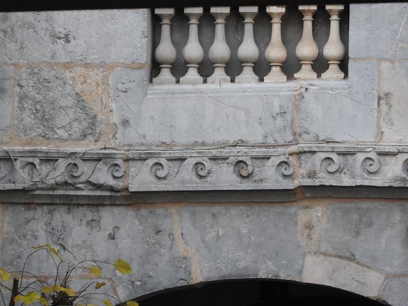grande rue-DSCN1169-102-stone detail-resized-071215