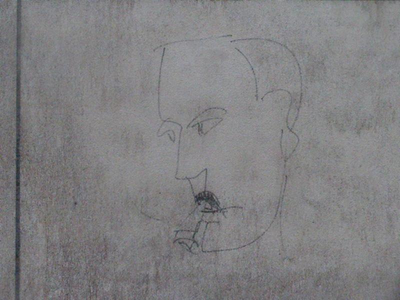 rue des saints-peres-P1030524-45-graffiti-resized-100116