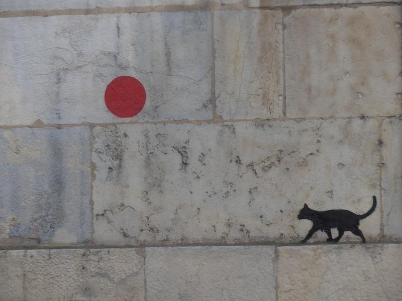 rue renan-graffiti-cat and balloon-P1000767-resized-140415