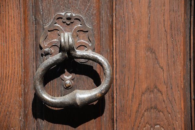 hotel de sully-DSC_3218-door knocker-resized-090615