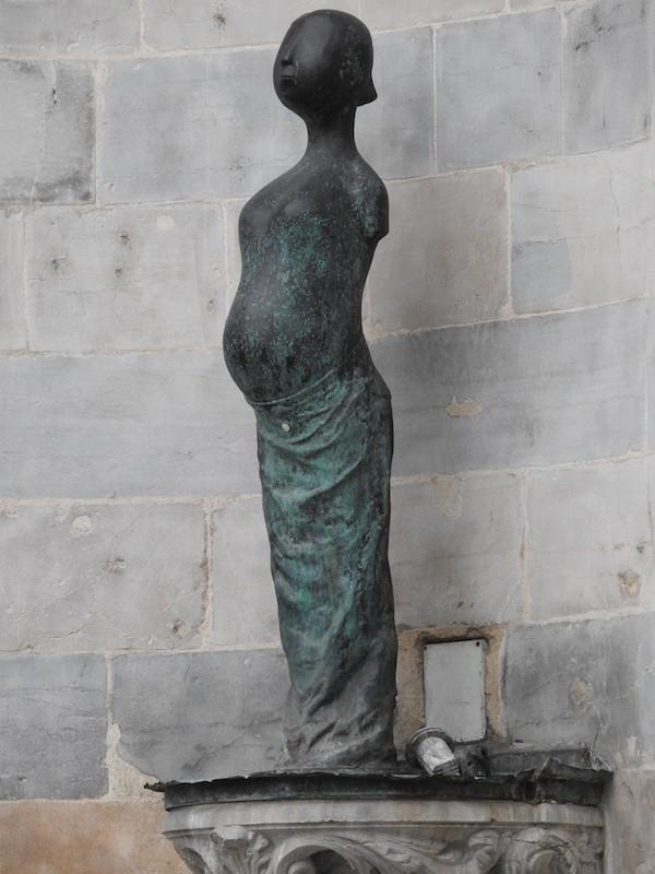place victor hugo-DSCN0233-statue-resized-231115