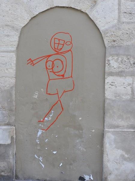 rue charlot-DSCN3214-8-enclosed stone arch-graffiti-resized-080116