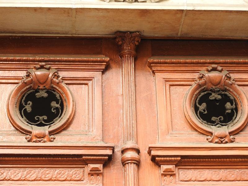 boulevard saint-germain-DSCN3025-144-2 wood roundels-round grilles-resized040116