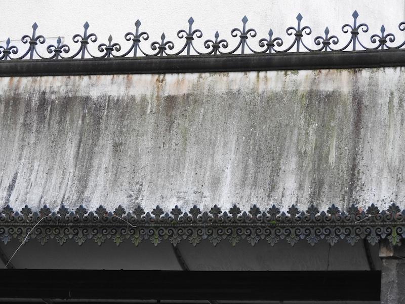 rue de la convention-DSCN0654-12-metal entry detail-resized-271115